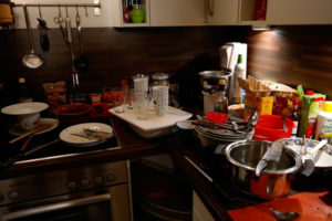 Cuisine encombrée : besoin d'un égouttoir à vaisselle