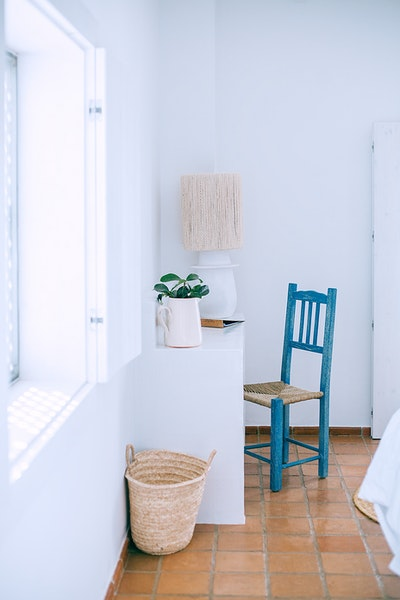 Personnaliser la déco d'intérieur pas cher : peindre ses meubles